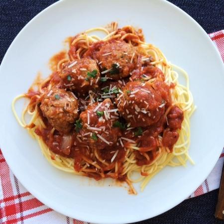 lisa eats spaghetti meatballs 11