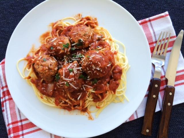 lisa eats spaghetti meatballs 6