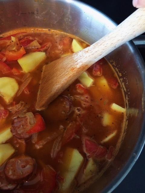 lisa eats spanish chorizo stew 2