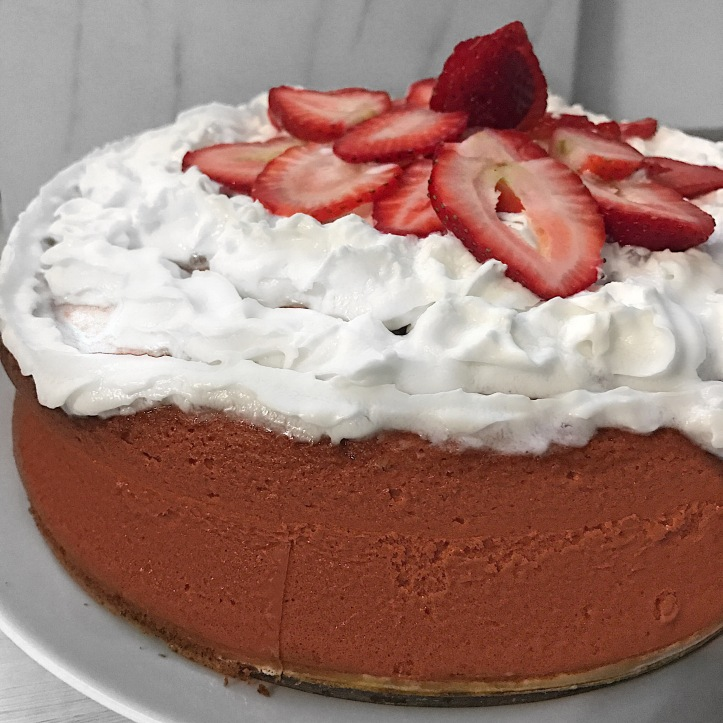 lisaeatsstrawberrycake2